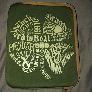 Lucky Brand neoprene tablet case green with zipper